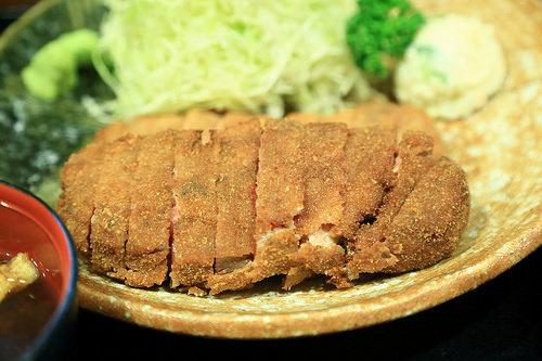 [食記] 有機會到東京記得來嘗嘗看牛かつ もと村的美味炸牛排